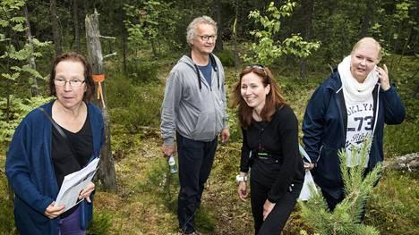 Kaupunginvaltuusto päättää syksyllä Kruunuvuorenrantaan kuuluvan Stansvikinkallion asemakaavasta . Merja Uusivirta vas. Hannu Ijäs, Anne Kandolin ja Maija Vilksman haluavat säilyttää alueen nykyisellään.