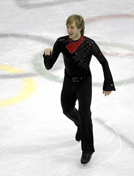 Jevgeni Plushenko voitti olympiakultaa Torinossa vuonna 2006.