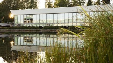 Tapiolan uimahalli suljettiin peruskorjauksen vuoksi kesällä 2016. Remontti pääsee näillä näkymin alkamaan kesään 2019 mennessä.