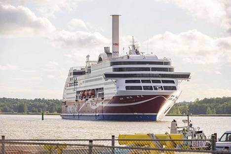 Viking Linen risteilyalus saapuu Turun satamaan Tukholmasta 7. heinäkuuta.