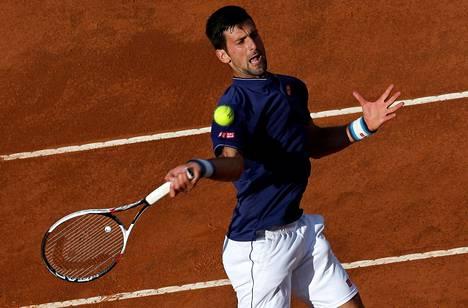 Tenniksen sääntöihin testataan muutoksia. Kuvassa Novak Djokovic Rooman ATP-turnauksessa.