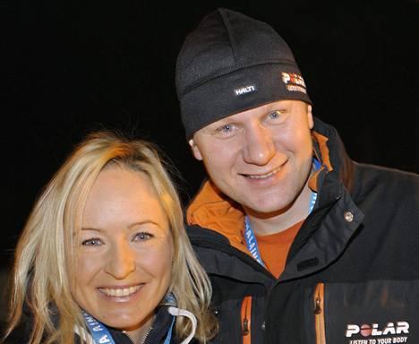 Toni Roponen haluaa keskittyä perhe-elämään, kun Riitta-Liisa Roponen lopettaa hiihtouransa.