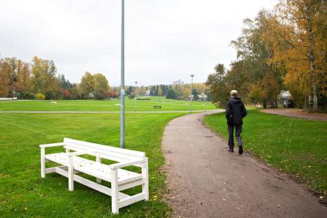 Although Juha Hurme appreciates the forest, he also praised Tapiola Silk Meadow.
