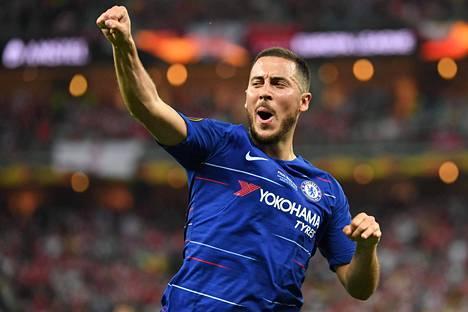 Eden Hazard tuulettaa maaliaan Eurooppa-liigan finaalissa keskiviikkona.