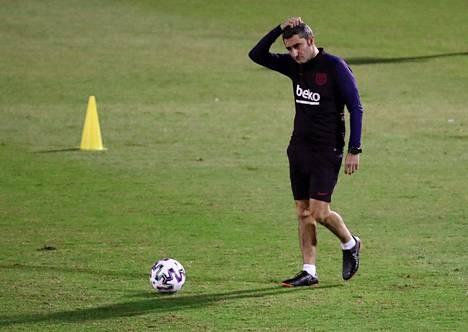 FC Barcelonan valmentaja Ernesto Valverde valmistautui keskiviikon harjoituksissa Saudi-Arabian Jeddassa pelattavaan Espanjan supercupiin.