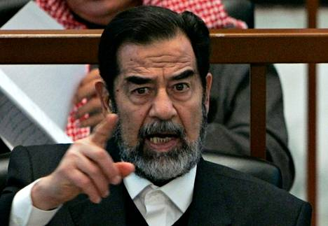 Saddam Hussein oikeudessa Bagdadissa 21. joulukuuta 2006.
