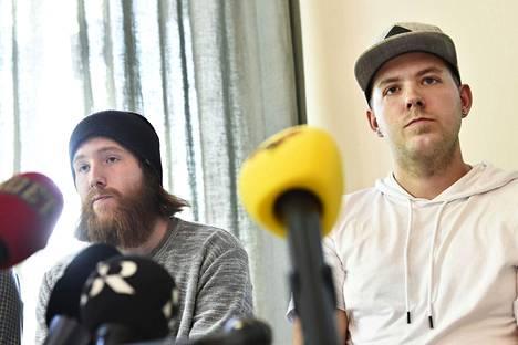 Robin Dahlén ja Christian Karlsson tiedotustilaisuudessa Tukholmassa toukokuussa 2017.