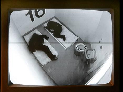 Kiinniotettuja putkan valvontakamerassa.