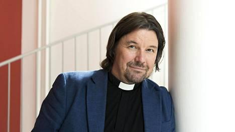 Esimerkiksi Paavalin seurakunnassa on koulutettu työntekijöitä kohtaamaan vihapuhetta ja puuttumaan rasismiin, sanoo kirkkoherra Kari Kanala.