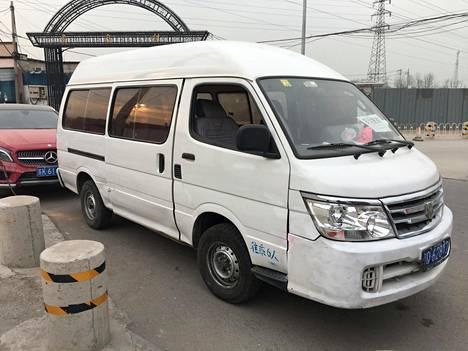 Pakettiauto on Tan Lixianin tärkein työväline.