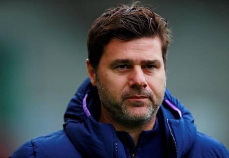 Tottenhamin argentiinalainen manageri Mauricio Pochettino on 47-vuotias. Hänen mukaansa hänellä ei ole harmaita hiuksia siksi, että hän ei stressaa liikaa.