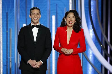 Andy Samberg ja Sandra Oh juonsivat Golden Globet.