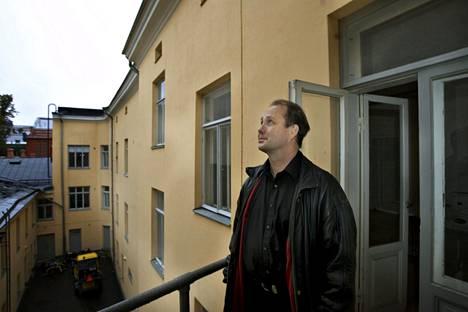 Vuonna 2007 Ilkka J. Kari suunnitteli Helsingin vanhimpiin taloihin lukeutuvan Lampan talon remontoimista perhehotelliksi.