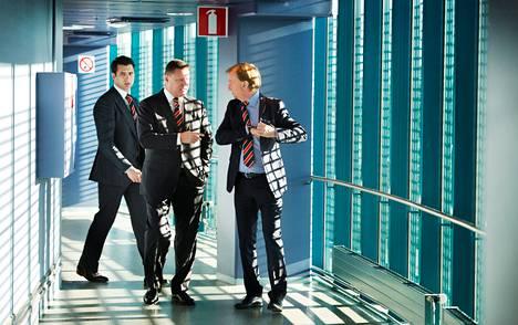 Roman Rotenberg (vas.), Kai Paananen ja Harry Harkimo saapuivat Jokerien tiedotustilaisuuteen lokakuussa 2013. Rotenberg ja Paananen ovat nyt Yhdysvaltain pakotelistalla.