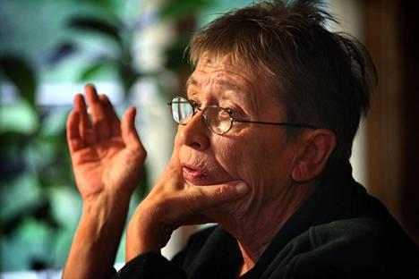 Liisa Ryömä kotonaan Loviisassa lokakuussa 2009.