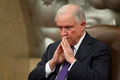 Yhdysvaltojen presidentti Donald Trump erotti oikeusministeri Jeff Sessionsin keskiviikkona.