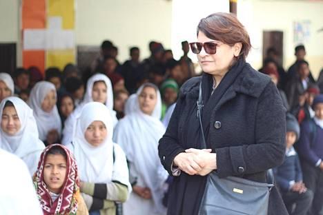 """Zeba Husainin perustama koulu auttaa Pakistanin katulapsia. """"Köyhyys ja tietämättömyys ovat kaksi suurinta ongelmaa. Kun ne ovat olemassa samaan aikaan, se on pahin yhdistelmä koskaan."""""""