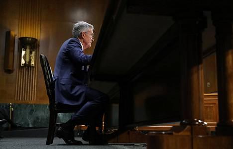 Yhdysvaltojen keskuspankin pääjohtaja Jerome Powell kongressin kuultavana heinäkuun puolivälissä. Hän varoitti maailmantalouden kasvavista riskeistä, jotka saattavat vahingoittaa Yhdysvaltojen taloutta.