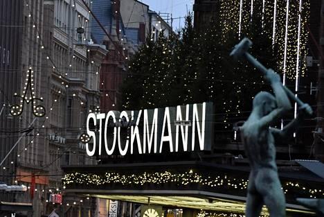 Stockmannin tavaratalo Helsingissä 11. joulukuuta 2020.