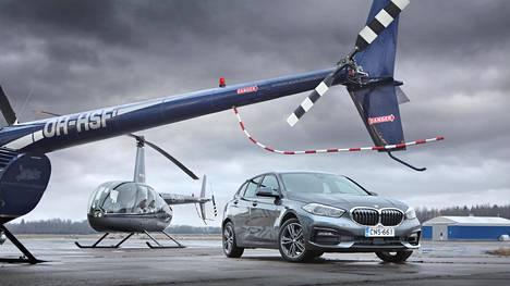 BMW:n keulamunuaisia on bodattu isommiksi mallisukupolvi toisensa jälkeen. Paksu kromikehys hoitaa alleviivauksen, huutomerkin ja lihavoinnin tehtävät yhdellä kertaa.