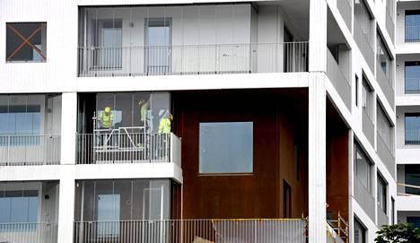 SRV aikoo rakentaa yhteensä 700 uutta asuntoa Pohjola-talon ympäristöön Lapinmäentielle Helsinkiin. Työmaalla työskenneltiin 20. heinäkuuta 2020.