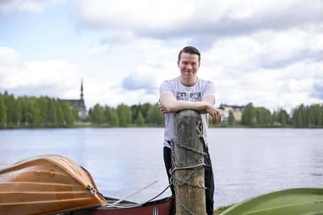 Mikkel Näkkäläjärvi kokee haikeutta siirtyessään pois demarinuorten puheenjohtajan paikalta.