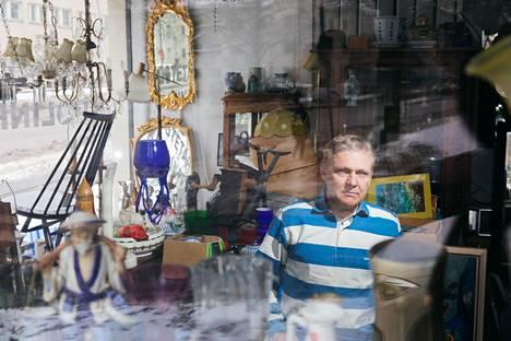 Petteri Laine, 49, on työskennellyt kuolinpesien tyhjentäjänä 1990-luvun alusta asti. Hän kertoo törmänneensä työssään erikoisiinkin asioihin.