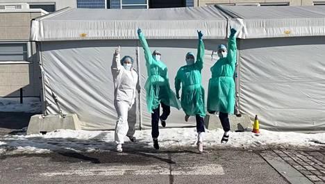 Malmin koronaterveysaseman työntekijät tanssivat 26. maaliskuuta julkaistussa videossa.