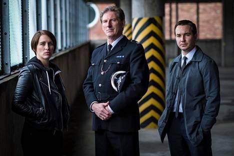 Rikoskomisario Kate Fleming (Vicky McClure) ja rikosylikonstaapeli Steve Arnott (Martin Compston, oik.) jahtaavat korruptoituneita poliiseja. Tiimiä johtaa ylikomisario Ted Hastings (Adrian Dunbar).