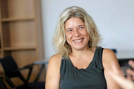 Viestintäministeriötä vastaavan viraston kansliapäällikkö Valia Kaimakin mukaan Kreikalla riittää siivottavaa mediamarkkinoilla.