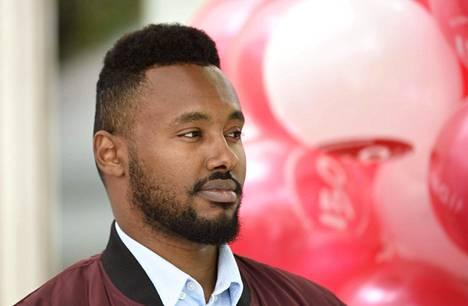 Vasemmistoliiton ehdokas Suldaan Said Ahmed kertoo, että hänen kimppuunsa hyökättiin Helsingin Itäkeskuksessa maanantaina.