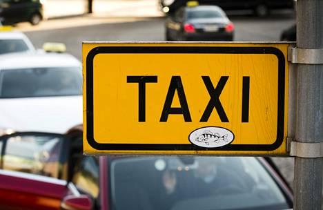 Uudenmaan takseja pyörittävä Lähitaksi erosi Taksiliitosta.