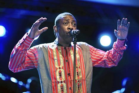 Youssou N'Dour esiintyi Helsingin Kulttuuritalolla marraskuussa 2010.