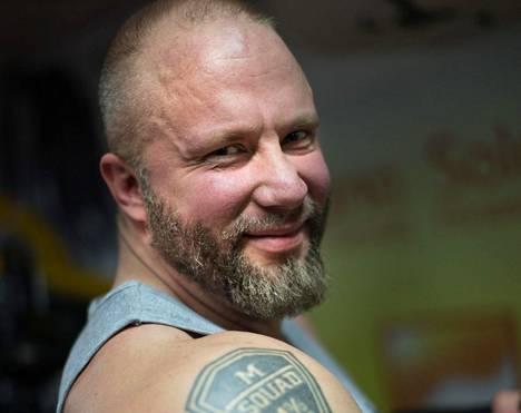 Marko Lönnqvist erosi MC Cannonballista vuonna 2011.
