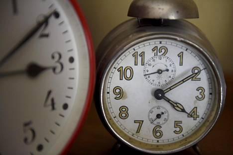 Kelloja siirretään tunti taaksepäin sunnuntain vastaisena yönä.