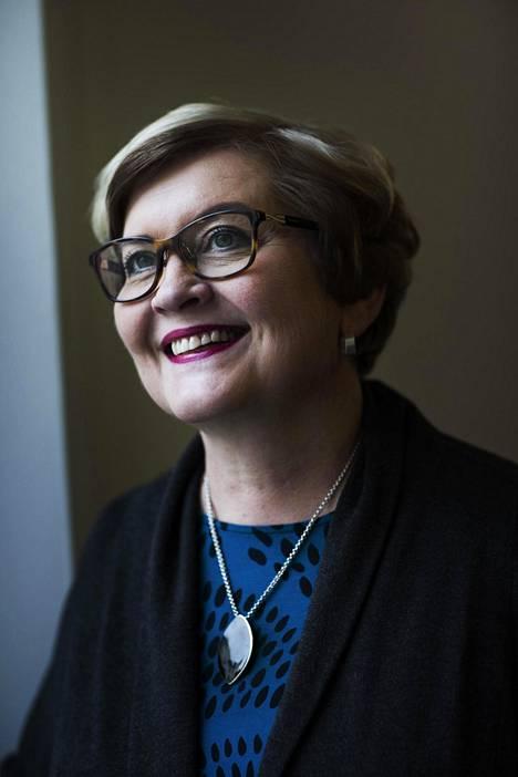 Valtiovarainministeriö selvittää parhaillaan kunta- ja uudistusministeri Anu Vehviläisen (kesk) johdolla ketkä tulevat sähköisen asioinnin velvoittavuuden piiriin.