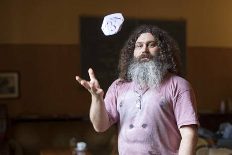 Salauskeinot ovat Vadim Makarovin mukaan ajastaan jäljessä, vaikka matematiikka ja fysiikka ovat kehittyneet huikeasti