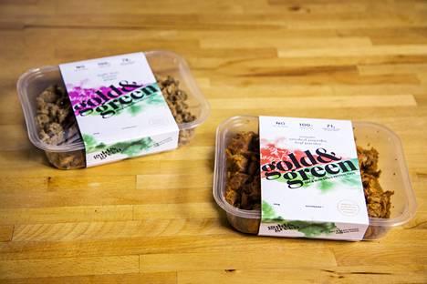 Palkitun maustamattoman version lisäksi Gold&Green Foods valmistaa nyhtökauraa kahdessa muussa maussa: limen lehti-seesaminsiemen-inkivääri sekä tomaatti-savupaprika-lehtipersilja.