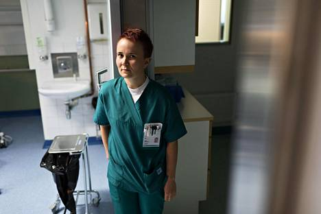 """Sairaanhoitaja Rayan Hämäläisen mukaan kaikista seksuaalisen häirinnän tilanteista ei voi lähteä pois. """"Aina ei auta mikään, vaan työ pitää tehdä samalla kun joutuu kuuntelemaan potilaita. Olen aika kärsivällinen ja rauhallinen ja välillä mietin, osaanko sanoa asiasta tarpeeksi ponnekkaasti."""""""