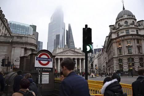 Lontoon Citystä on hävinnyt pelättyä vähemmän työpaikkoja brexitin takia. Katunäkymä Citystä tammikuun lopulta.
