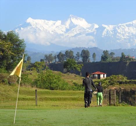 Pokharan kaupungissa Nepalissa voi vaeltaa Annapurna-vuoren maisemissa. Lisäksi kaupungissa on mahdollisuus pelata ikimuistoinen golfkierros.