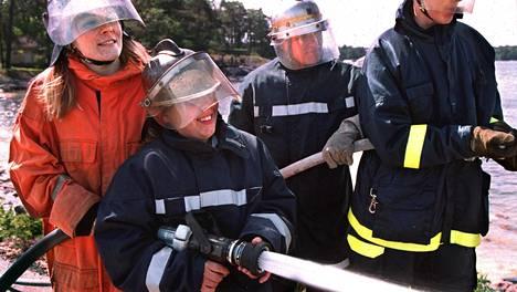 Sammutus- ja pelastustaidoista voisi olla hyötyä ilman kriisejäkin.