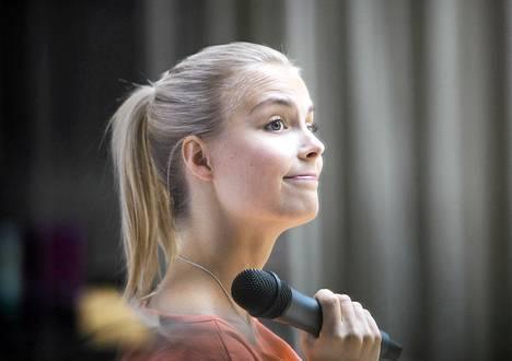 Kiira Korpi kertoi tulevaisuudensuunnitelmistaan Helsingissä maanantaina.
