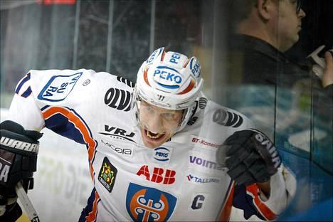 Ville Nieminen teki kaksi maalia Ässiä vastaan. Kuva marraskuun Blues-ottelusta,