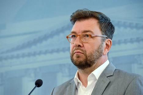Työministeri Timo Harakka esitteli tiistaina hallituksen ensimmäisiä keinoja työllisyyden parantamiseksi.