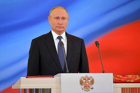 Presidentti Vladimir Putin virkaanastujaisissaan Moskovassa maanantaina.
