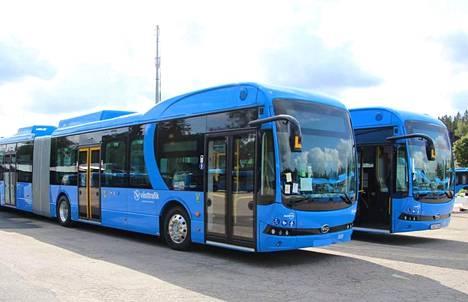 Nobina liikennöi Ruotsissa Boråsissa nivelsähköbusseja. Suomeen tilattavan kaluston merkkiä tai mallia ei ole vielä päätetty.