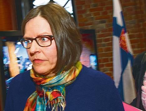 Tiedotustilaisuudessaan Heidi Hautala pyysi anteeksi menettelyään.