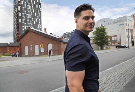 Urheilu-uran jälkeen Tero Järvenpää on panostanut opiskeluun Tampereen teknillisellä yliopistolla minkä työ- ja perhekiireiltään ehtii.