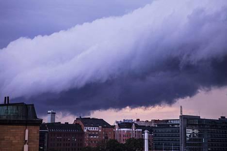 Ilmastonmuutoksen seurauksena sademäärä Suomessa todennäköisesti lisääntyy kaikkina vuodenaikoina.